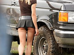 8 pictures - car show upskirt photo gallery
