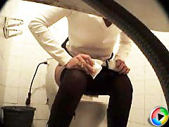 3 movies - Feeds from spy cam hidden in ladies� room in univercity