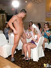 16 pictures - Bridesmaid gets fucked by the dancing bear!